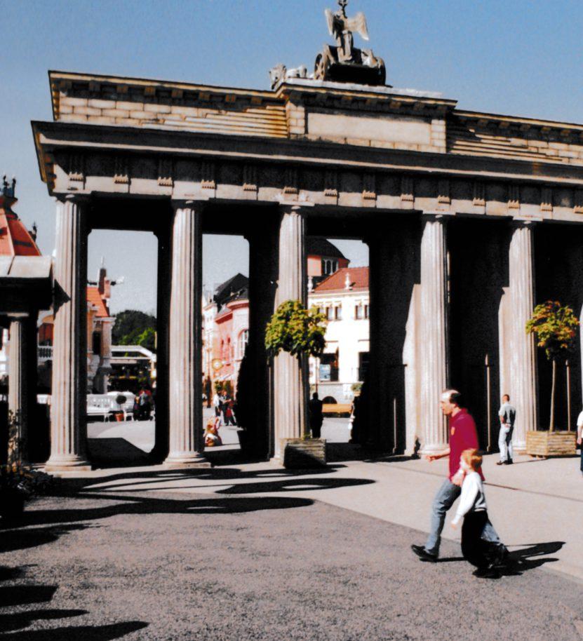 Urlaub 2001 001 Phantasialand Brandenburger Tor Chaosreporter